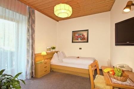 triple-room_29855622